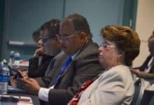 Photo of Gobierno discute asignación de fondos federales críticos de Medicaid
