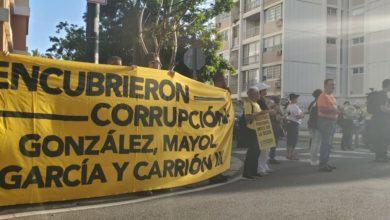 Photo of Protestan a son de cacerolas frente a la casa de José Carrión III