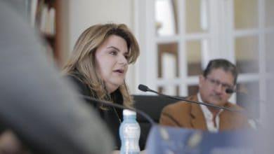 Photo of Jenniffer González detalla ayudas a médicos en paquete federal