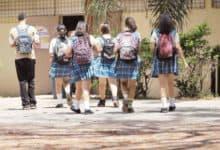Photo of Task Force Médico recomienda no abrir escuelas si la tasa de positividad está por encima del 5%