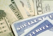 Photo of Así es cómo los beneficiarios de Seguro Social recibirán los cheques de $1,200