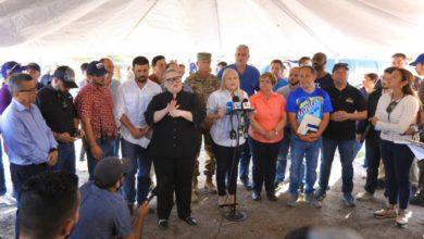 Photo of Gobernadora no descarta mover a refugiados a otras zonas