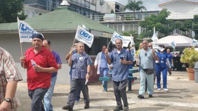 Photo of Empleados de Centro Médico aprueban voto de huelga
