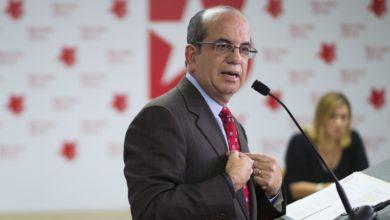 "Photo of Acevedo Vilá manifiesta que Jenniffer González ""saboteó a Ricardo Rosselló"""