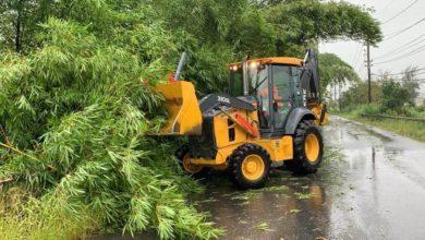 Photo of Cayey reporta carreteras obstruidas, terrenos saturados y plantas de AAA fuera de servicio
