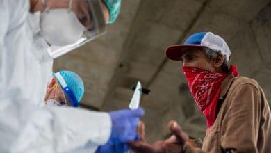 Photo of Baja la tasa de positividad en la Isla pero aumenta el índice de mortalidad