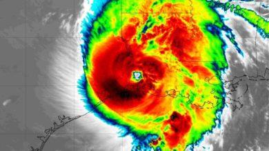 Photo of Primeras imágenes de los impactos del poderoso huracán Laura